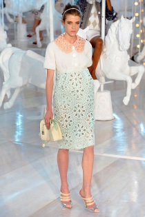 louis-vuitton-rtw-spring2012-runway-008_093533816579